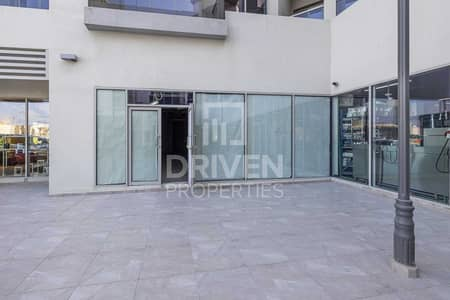 Shop for Rent in Umm Al Sheif, Dubai - Well-kept and Excellent | Prime Location