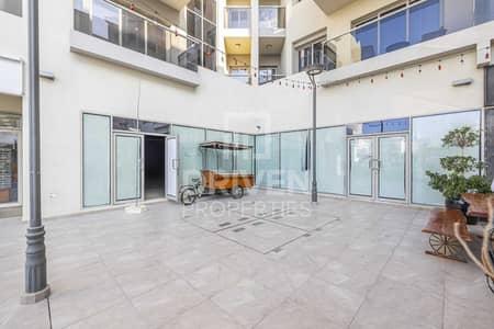 Shop for Rent in Umm Al Sheif, Dubai - Multiple Option Available | Large Retail