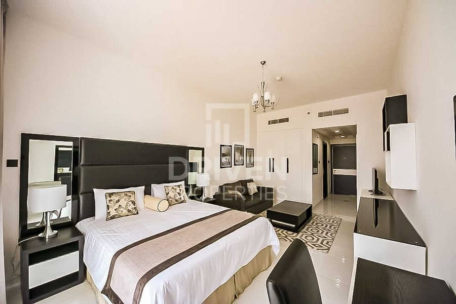 Golf Course View   Fully Furnished Studio