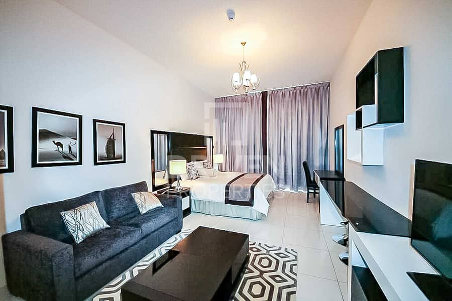 2 Golf Course View   Fully Furnished Studio