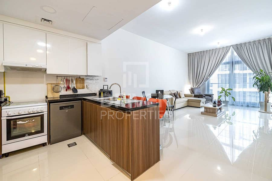 2 Spacious and Furnished Apt plus Maids Room
