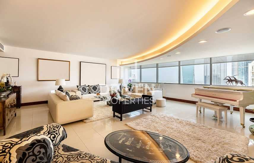 2 Spacious and Well-managed 3 Bedroom Unit