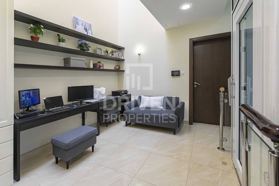 2 Upgraded 4 Bed Townhouse plus Maid's room