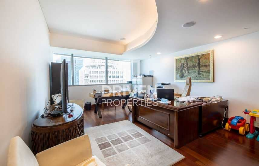 24 Spacious and Well-managed 3 Bedroom Unit