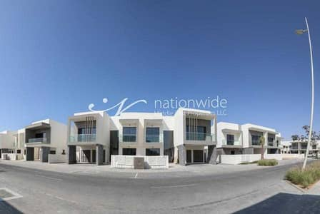 3 Bedroom Townhouse for Rent in Yas Island, Abu Dhabi - An Eco-friendly Duplex with Spacious Layout
