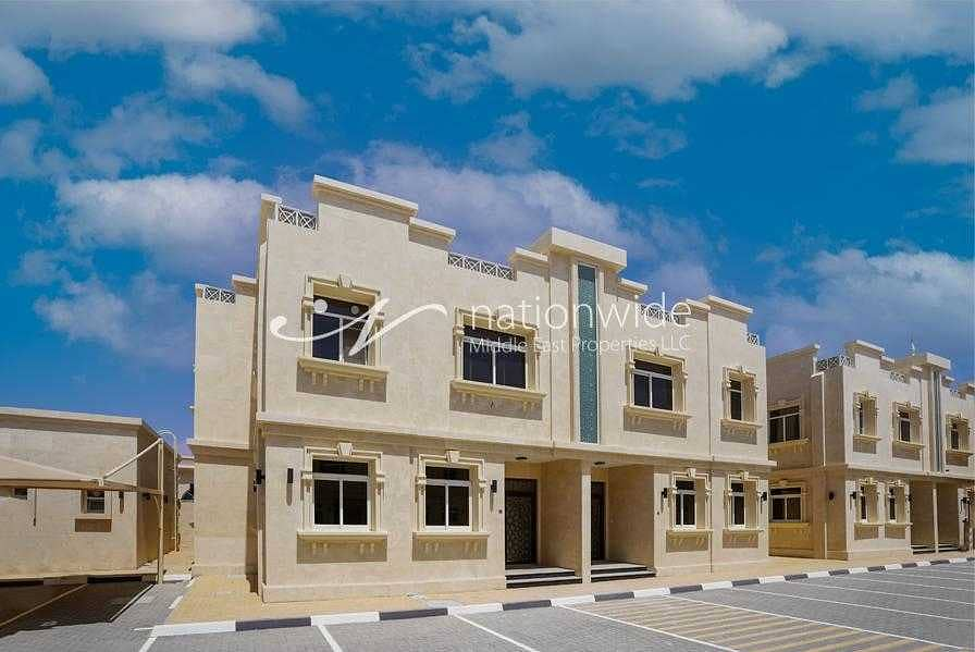 2 deluxe and Spacious four Bedroom Villa in Al Hili