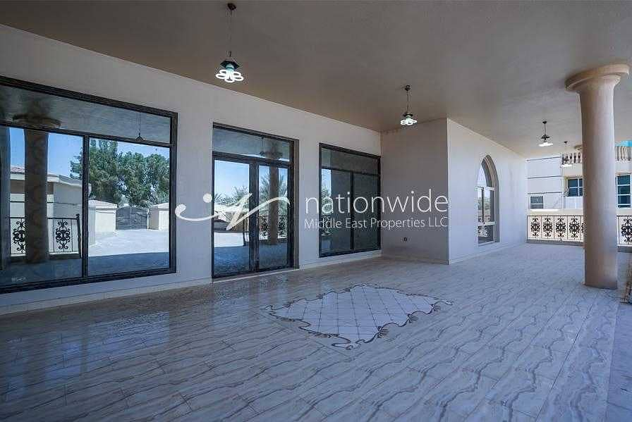 16 A very large villa with  7 bedrooms in Al sarooj  waiting for you