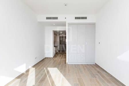 استوديو  للايجار في قرية جميرا الدائرية، دبي - Bright | Higher Floor | Ready to move in