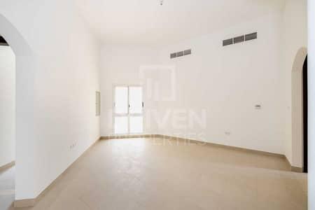 5 Bedroom Villa for Rent in The Villa, Dubai - Park Facing Near Exit | Single Row Villa