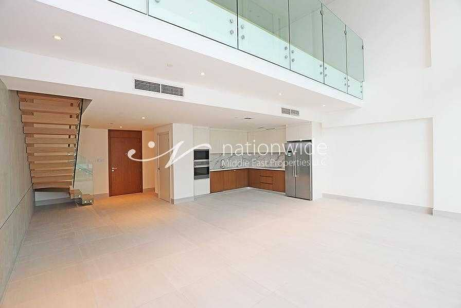 2 Enjoy A Beautiful Partial Sea View In This Unit!