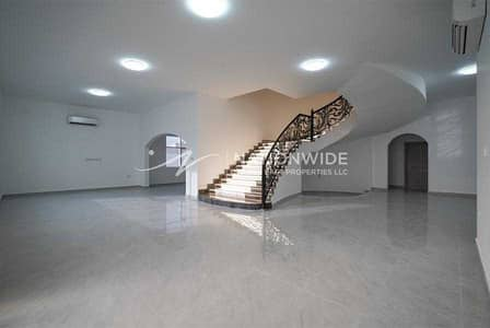 7 Bedroom Villa for Rent in Zakher, Al Ain - Bright stunning villa with 7 bedrooms in Zakher for rent