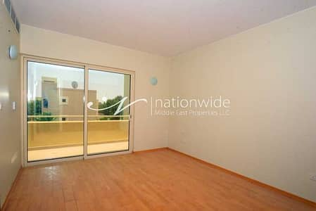 تاون هاوس 4 غرف نوم للبيع في حدائق الراحة، أبوظبي - Rented   Own This Exquisite & Modern Townhouse
