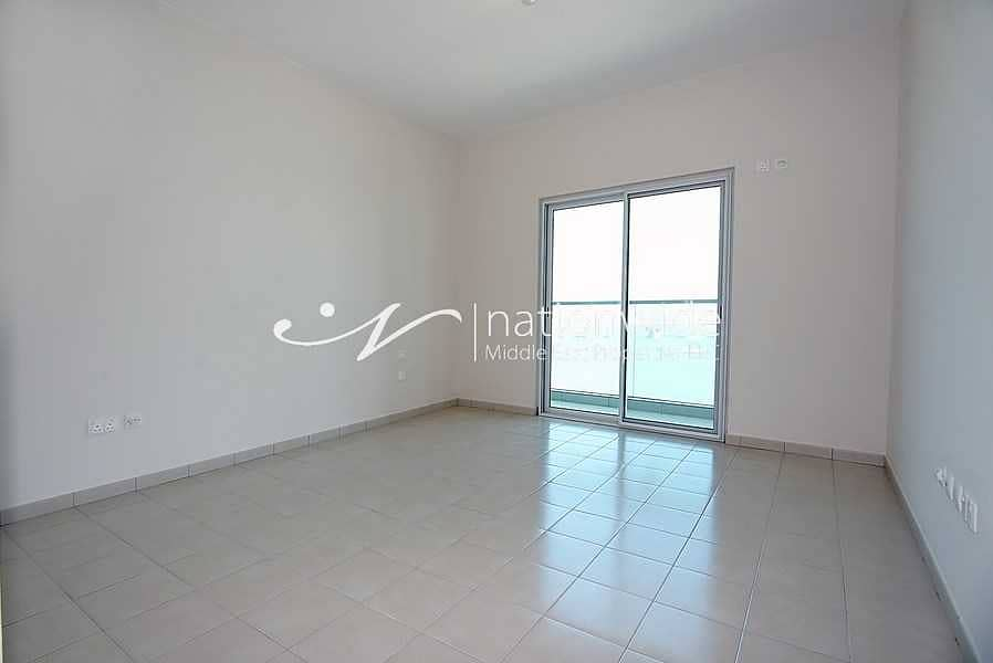 2 Hot Deal! A Lovingly Maintained Cozy Apartment