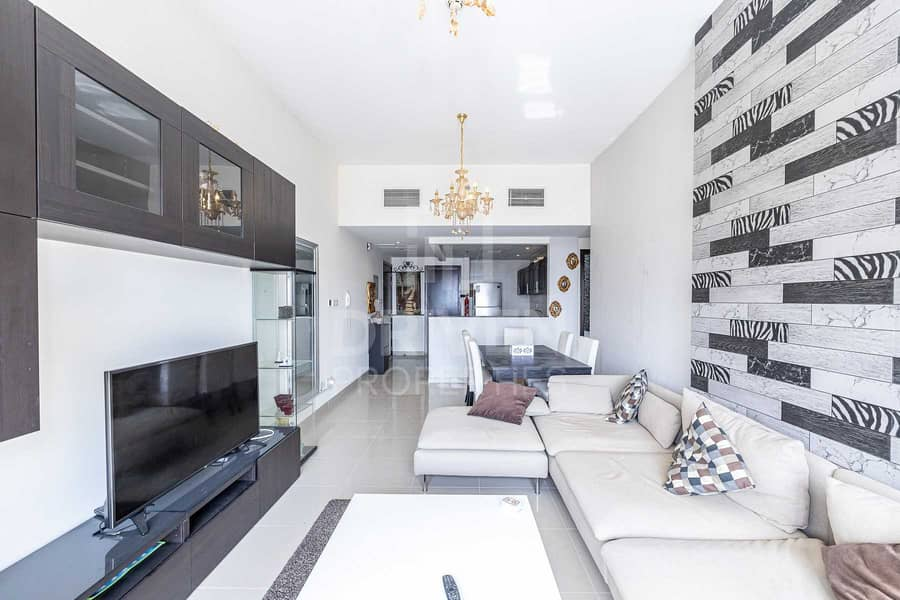 Furnished   Community View   Bright Unit