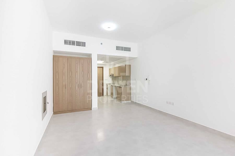 13 Investors Deal | Spacious | Close to Mall