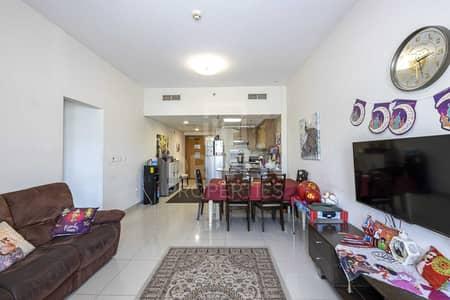 2 Bedroom Flat for Sale in Downtown Jebel Ali, Dubai - Well-Kept Unit w/ Sheik Zayed Road Views