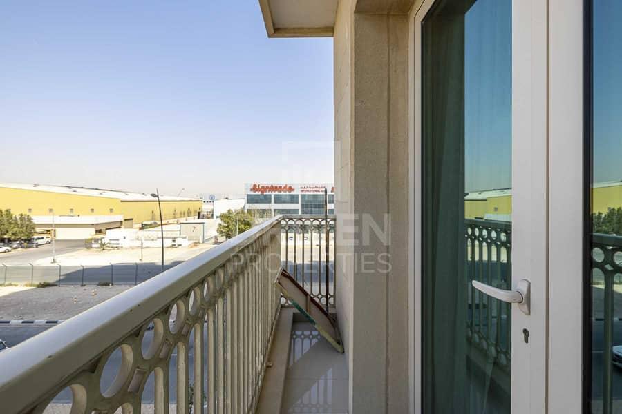 19 Well-Kept Unit w/ Sheik Zayed Road Views
