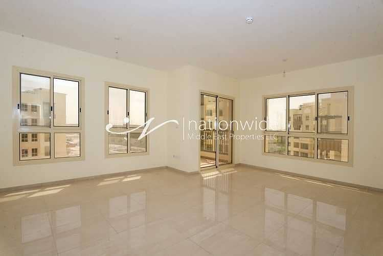 Expansive Home with Balcony and Close to Mall