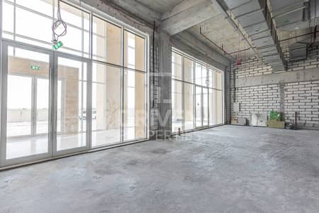 محل تجاري  للايجار في بوكدرة، دبي - Vibrant Location   Semi-fitted and Large