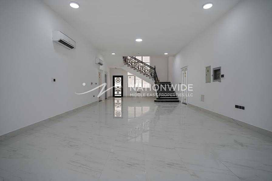 Amazing Clean Villa with 6 Beds and 2 Kitchen In Altowayaa