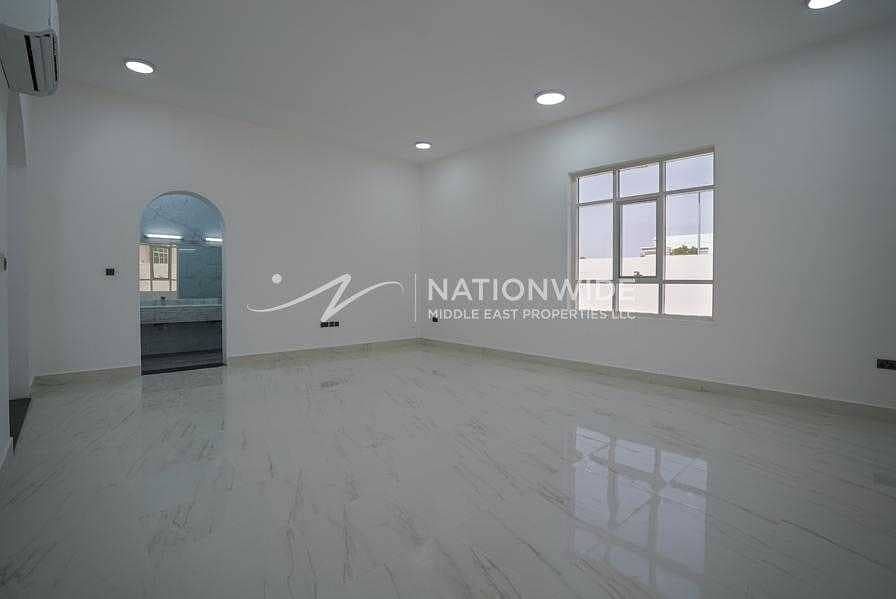 2 Amazing Clean Villa with 6 Beds and 2 Kitchen In Altowayaa