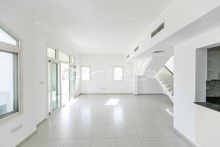 فیلا 3 غرف نوم للايجار في الغدیر، أبوظبي - Vacant! Remarkable Living In This Single-Row Unit
