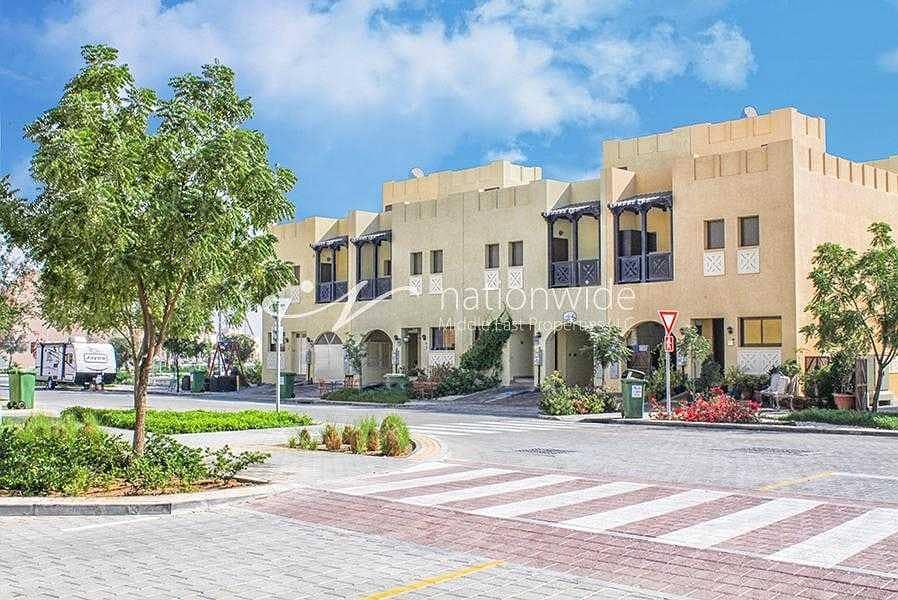 10 Big Family-Friendly Villa W/ Excellent Features
