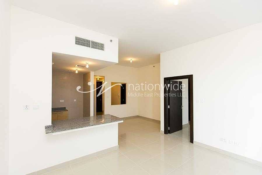 2 Invest In This Stunning Unit w/ Spacious Layout