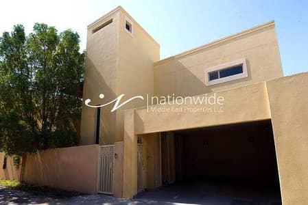 فیلا 3 غرف نوم للبيع في حدائق الراحة، أبوظبي - A Huge Family Home with Garage & Rental Back