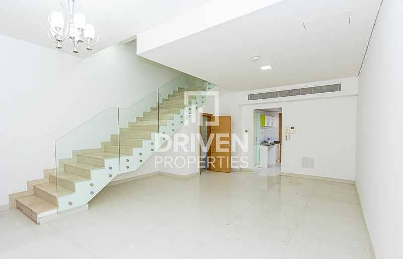 Well-maintained 4 Bedroom Townhouse in JVC