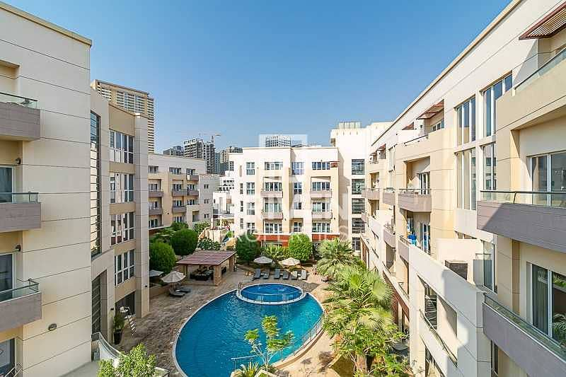 Fully Renovated 1 Bed Apt with Pool View