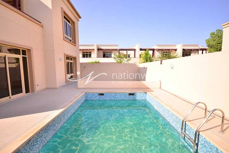 2 A Classic Home with Private Pool and Garden