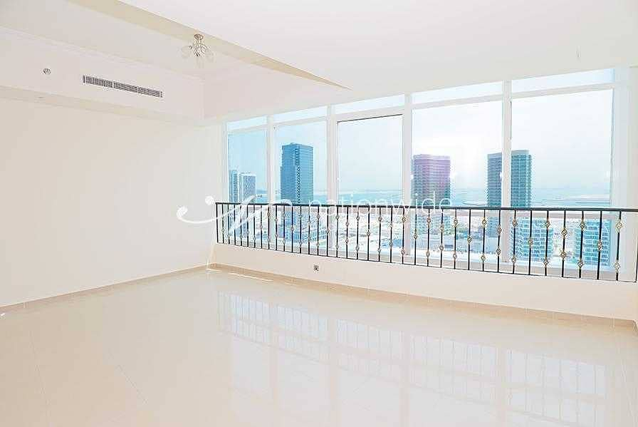 An Affordable Unit with Stunning Full Lake View