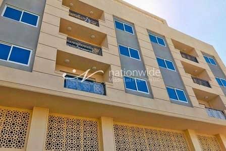 مبنی تجاري  للايجار في الشهامة، أبوظبي - Hot Deal! Commercial and Residential Building
