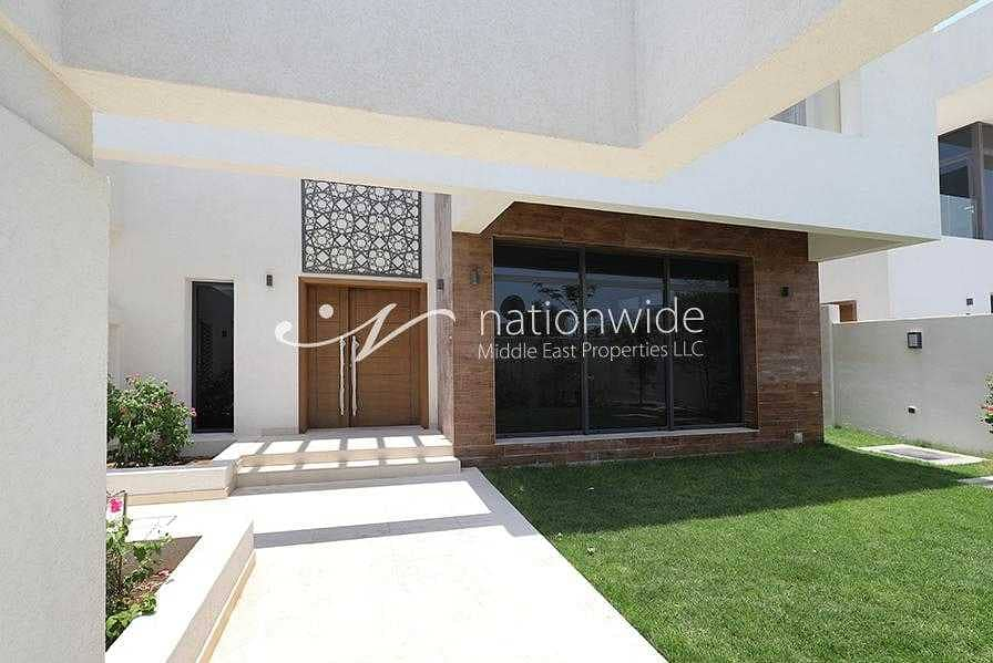2 Enjoy Moments of Peace and Joy In This Villa