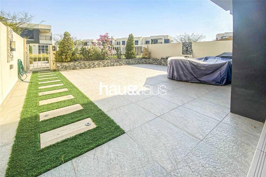 Single Row | Vacant On Transfer | Upgraded Garden