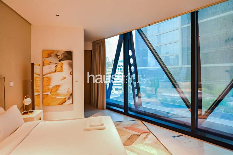 10 Exclusive | Contemporary 1BR Furnished