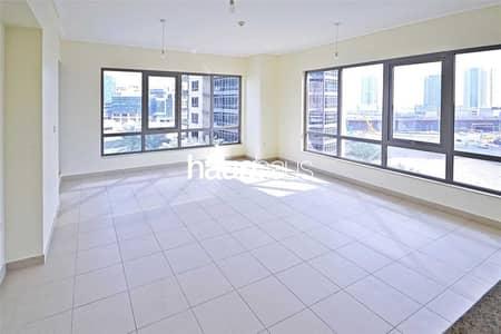 شقة 1 غرفة نوم للبيع في وسط مدينة دبي، دبي - Square Layout | Low Floor | Tenanted Investment