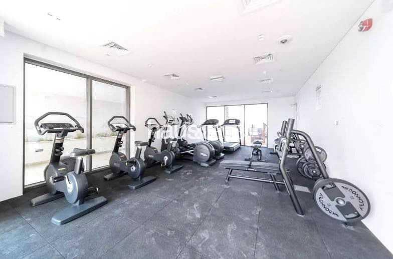 10 2 Large Double Bedrooms | Balcony | Pool & Gym
