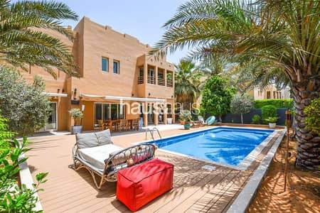 فیلا 4 غرف نوم للبيع في البحيرات، دبي - Exceptional Upgrades | Park Backing | Must See