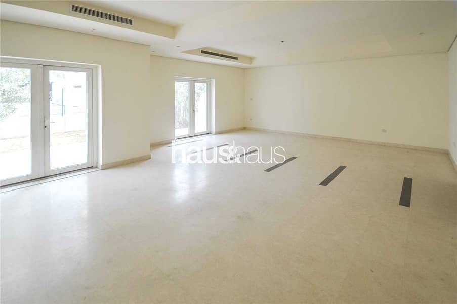 3 Bed + Maids | Single Row | Townhouse