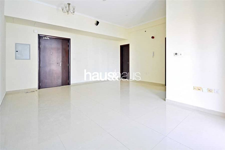 Available | Low floor | Close to Metro