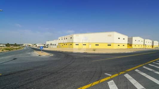 مستودع  للايجار في الورسان، دبي - BRAND NEW WAREHOUSES IN WARSAN AT AED 30 PSF