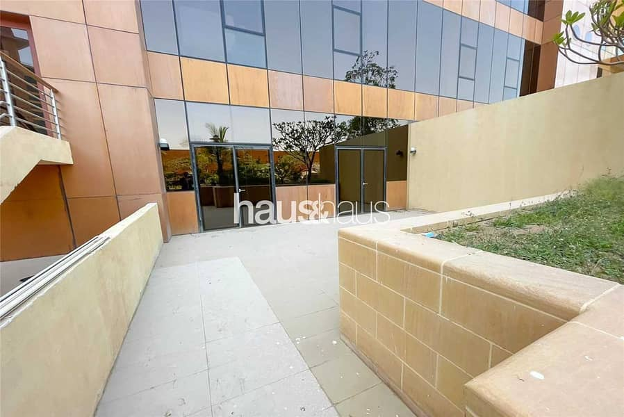 2 Luxury one bedroom   Bright and spacious   Vacant