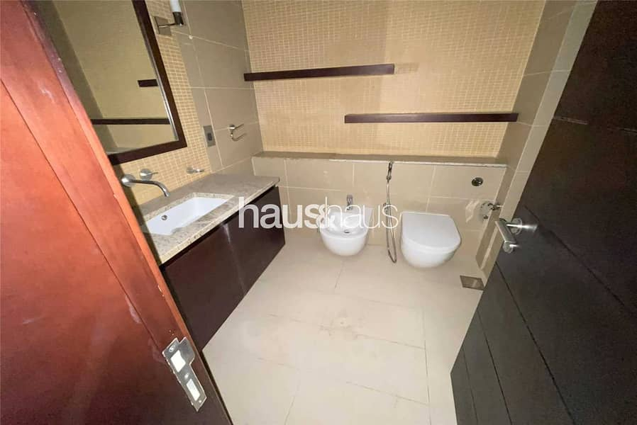 9 Luxury one bedroom   Bright and spacious   Vacant