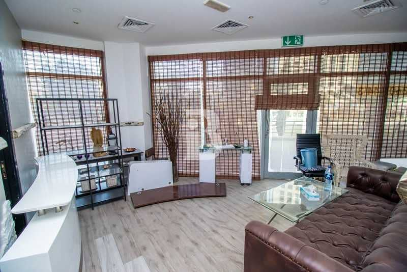 20 Fitted Retail|Perfect Location|Lake View