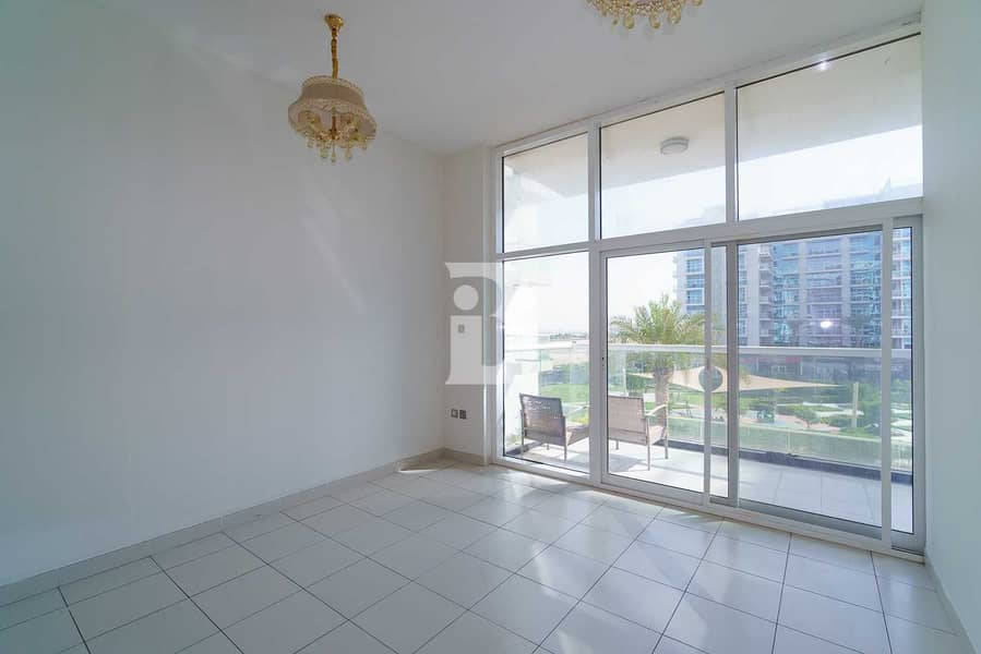 2 Fully Fitted Kitchen | 1BR in Studi City