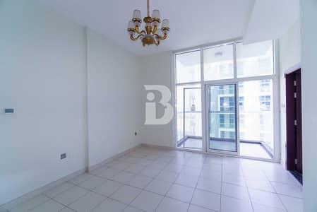 Studio for Rent in Dubai Studio City, Dubai - Mid Floor| Bright studio with fitted kitchen