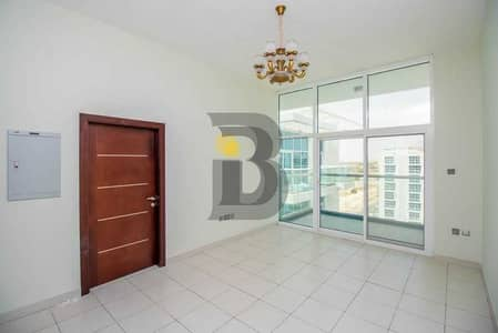 1 Bedroom Apartment for Rent in Dubai Studio City, Dubai - Modern1 bhk with a laundry room and white goods