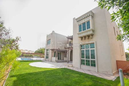 5 Bedroom Villa for Rent in Jumeirah Islands, Dubai - Master View | Lake View | Available Now